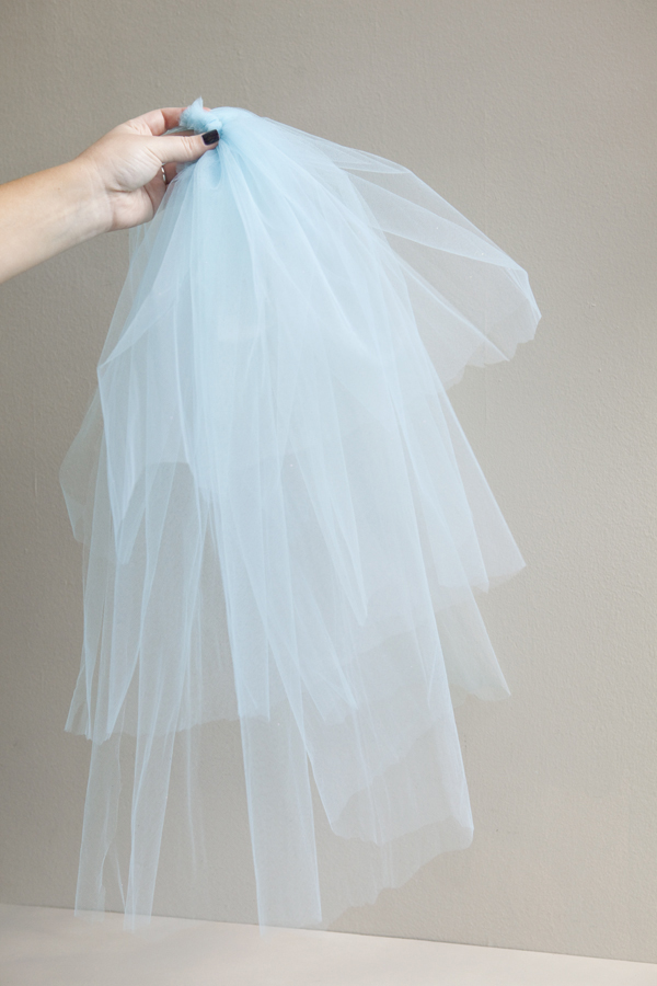 DIY | silly bachelorette party veil - Something Turquoise