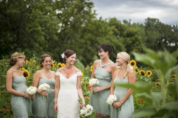 ST_Ashley_Davis_Photography_farm_wedding_0011.jpg