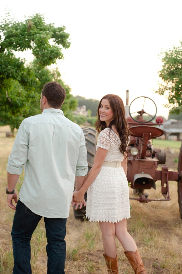 ST_Marcella_Treybig_Photography_orchard_engagement_0009.jpg