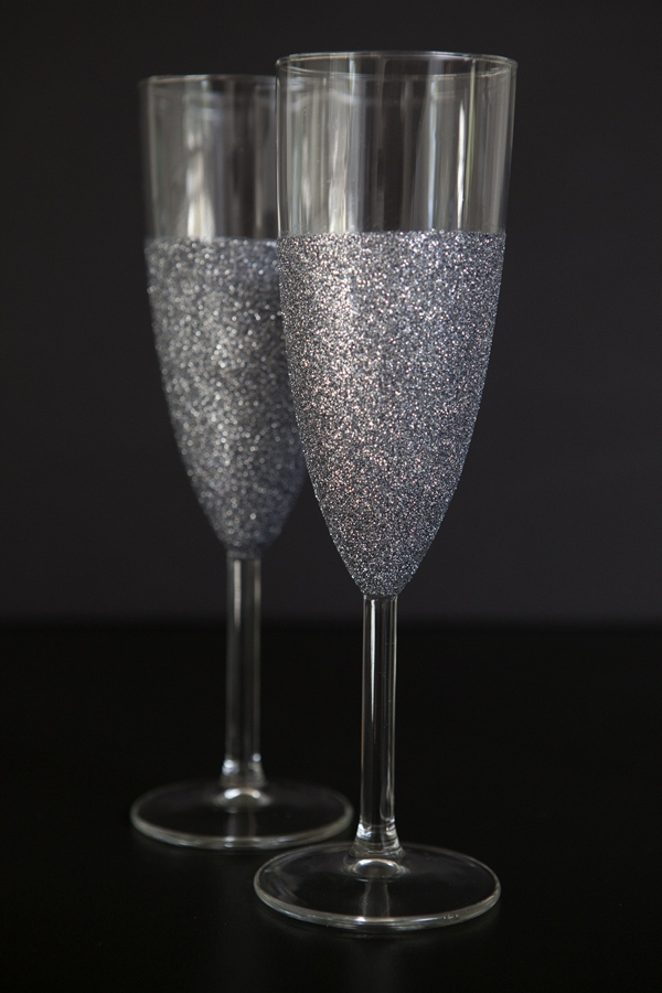 ST_DIY_glittered_wine_champagne_glasses_0011.jpg