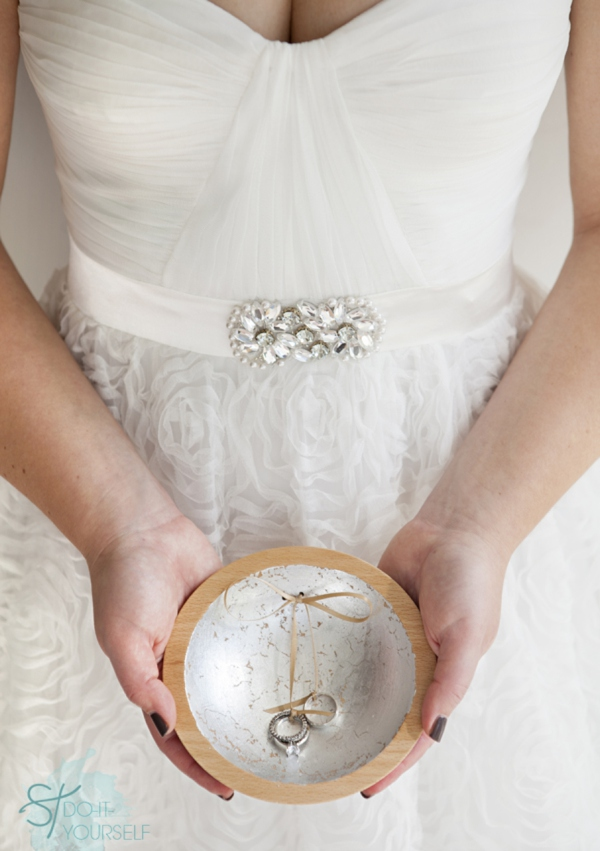 ST_DIY_gold_leaf_ring_bearer_dish_0001.jpg