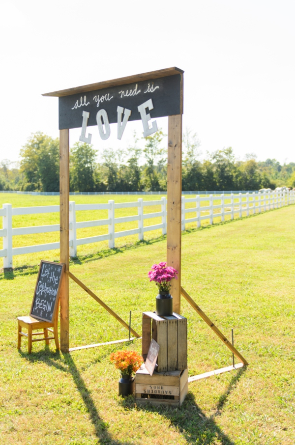 ST_Elizabeth_Henson_Photos_rustic_DIY_wedding_0036.jpg