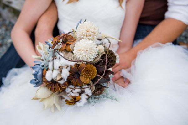 ST-Kristy-Klaassen_Photography-rustic-barn-wedding_0025.jpg