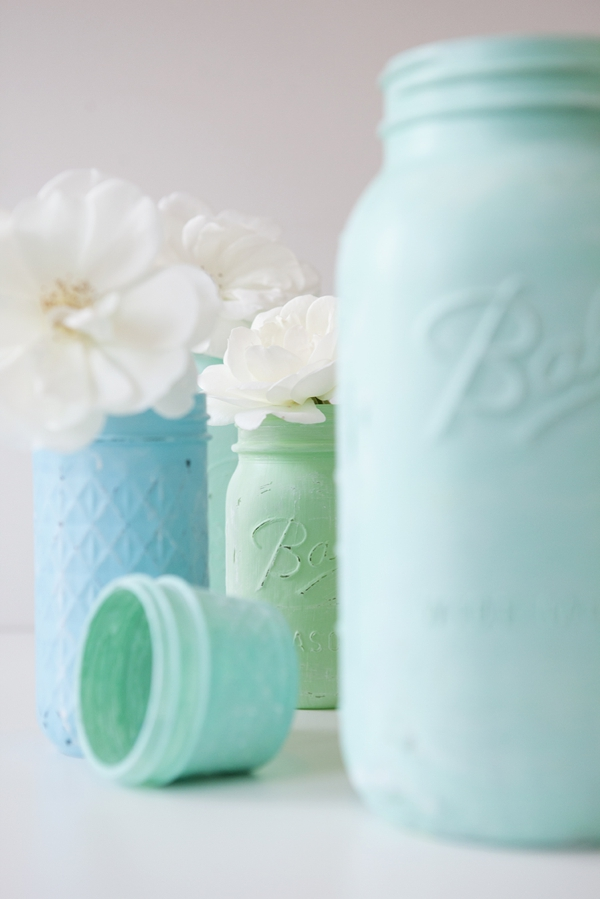 SomethingTurquoise_12MonthsofMartha_distressed_chalkboard_mason_jars_0016.jpg