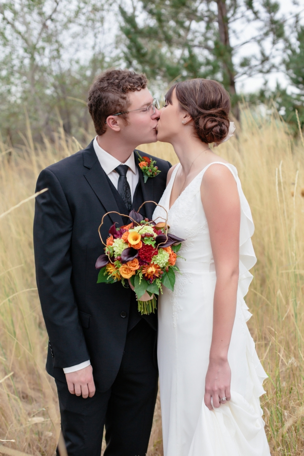SomethingTurquoise_rustic_DIY_wedding_Captured_by_Corrin_0024.jpg