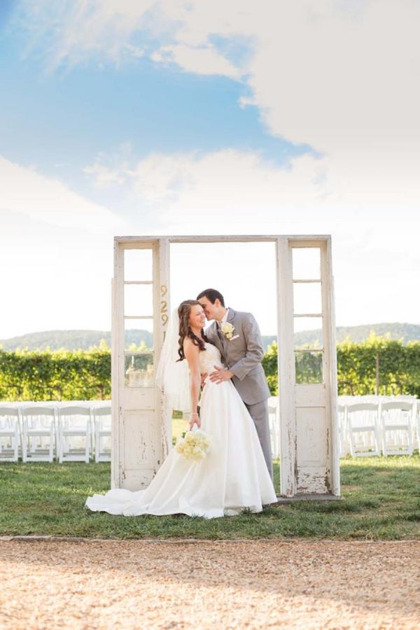 SomethingTurquoise_turquoise_vinyard_wedding_TamaraPizzeckPhotography_0001.jpg