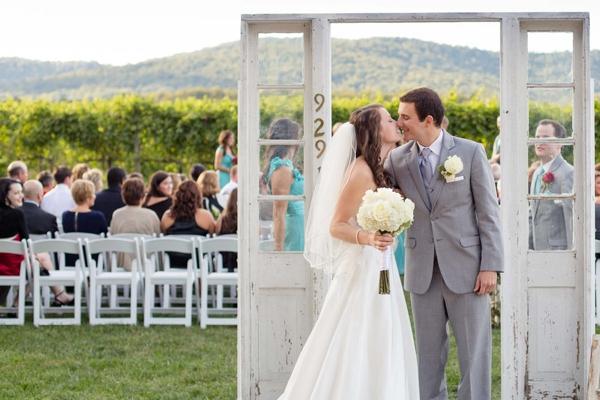 SomethingTurquoise_turquoise_vinyard_wedding_TamaraPizzeckPhotography_0020.jpg