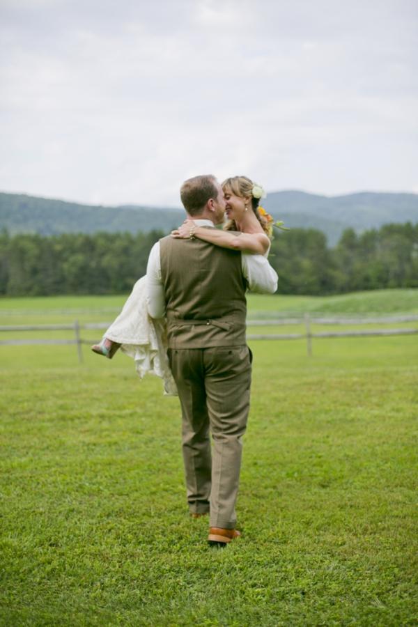 SomethingTurquoise-Ampersand_Wedding_Photography_red_rustic_wedding_0001.jpg