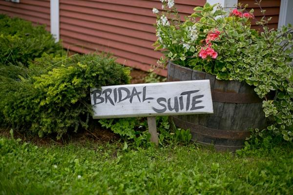 SomethingTurquoise-Ampersand_Wedding_Photography_red_rustic_wedding_0012.jpg