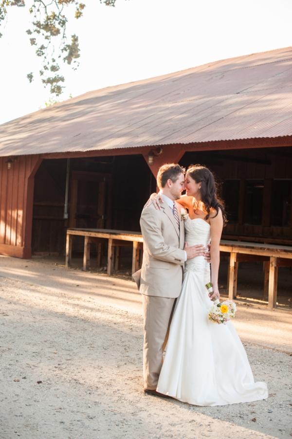 SomethingTurquoise_DIY_wedding_Candice_Benjamin_Photography_0044.jpg
