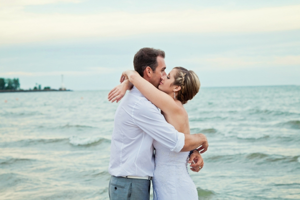 SomethingTurquoise_DIY_beach_wedding_Kristen_Nicole_Photography_0019.jpg