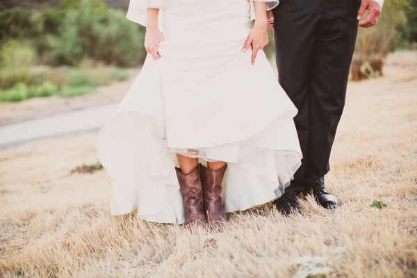 SomethingTurquoise_stunning_DIY_wedding_Aga_Jones_Photography_0029.jpg