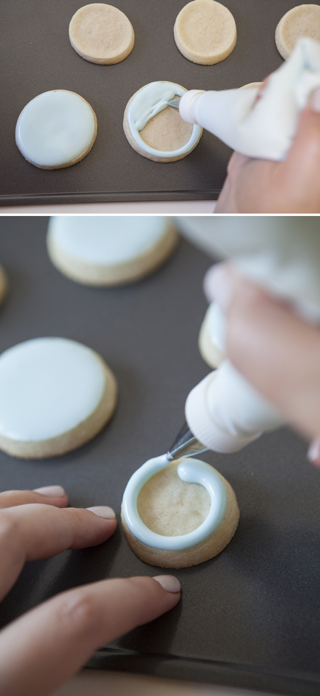 How to flood fill cookies with royal icing