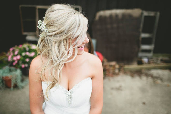 The gorgeous bride getting ready