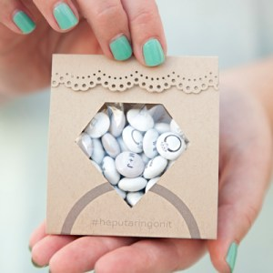 Adorable DIY diamond ring candy pouch favors!