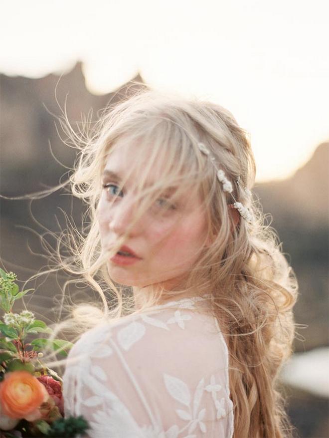 The best beach wedding hair tips wind blown beach wedding hair junglespirit Image collections