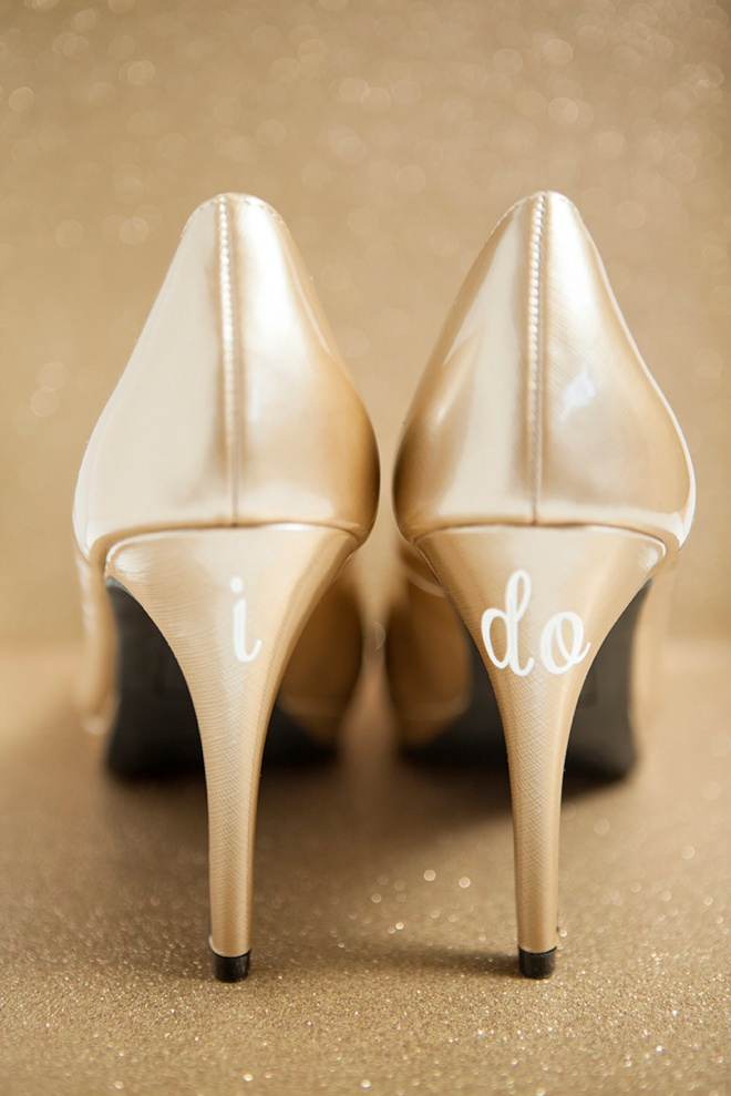 Learn how to make custom wedding shoe stickers!
