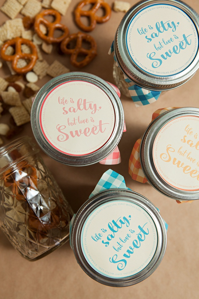 awesome diy idea for mason jar trail mix wedding favors