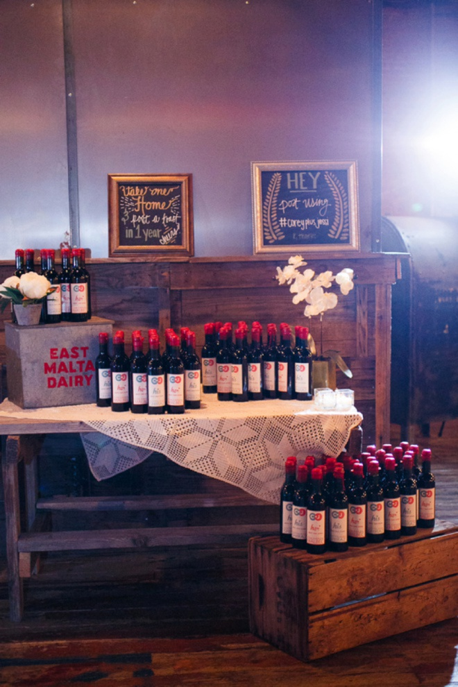 Handmade wine as wedding favors!