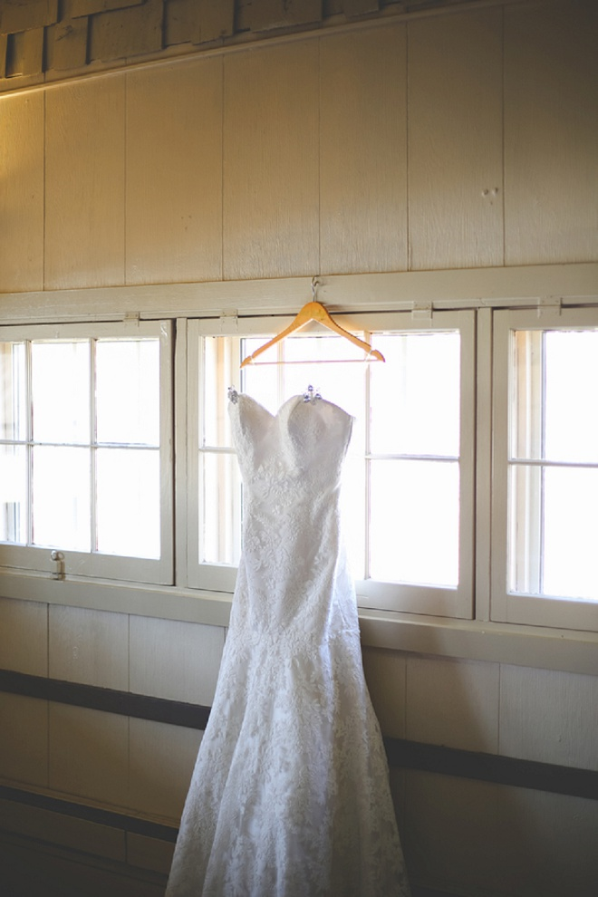 Darling wedding dress for this bride's winter wedding!