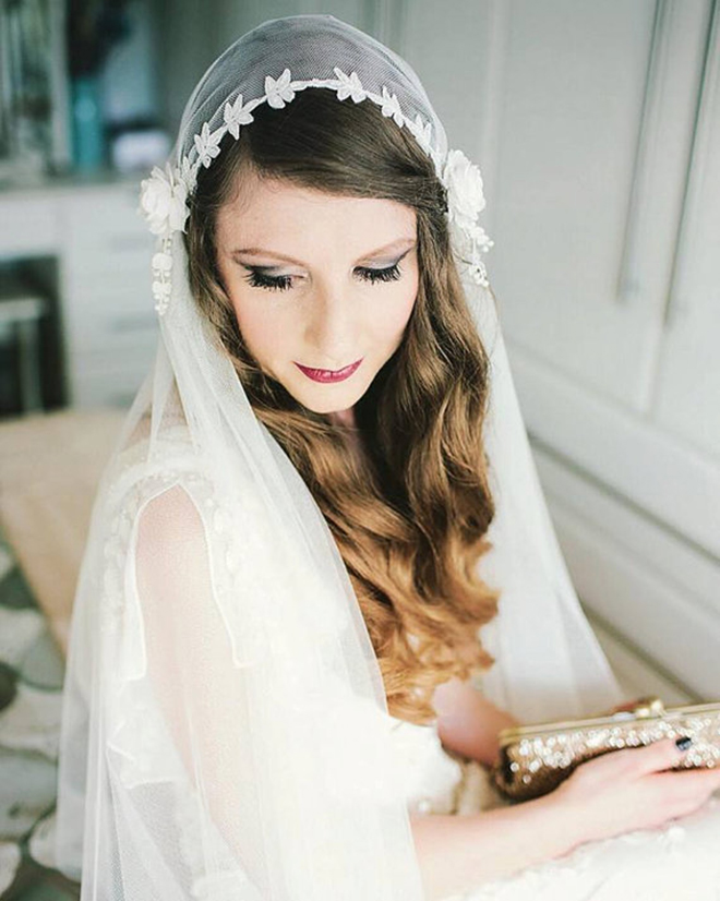 Juliet Cap Wedding Veil from Agnes Hart via Etsy