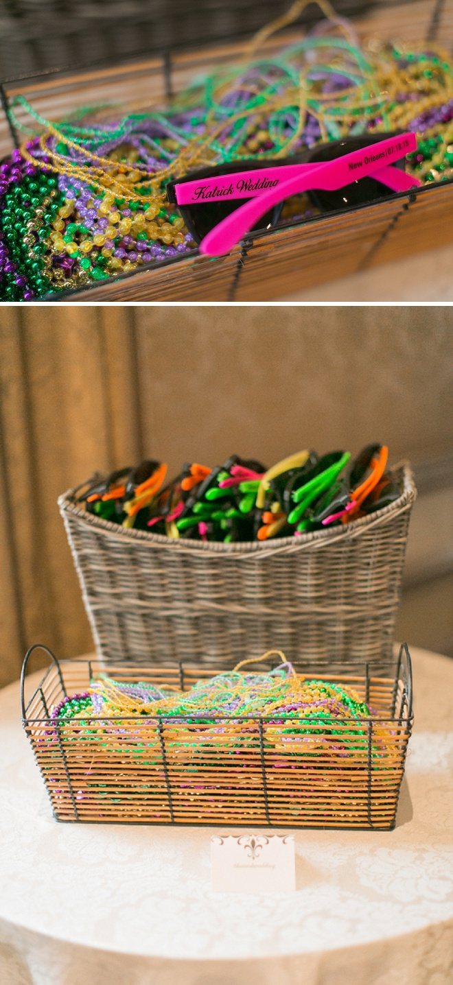 How darling are these favors? New Orleans beads and sunglasses for guests!