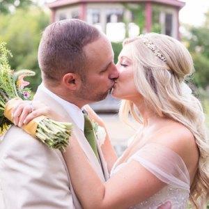 We love this darling bright DIY wedding!