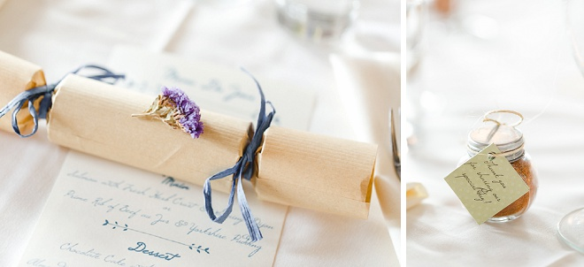 LOVING this gorgeous and classic crackers for each guest! How fun!