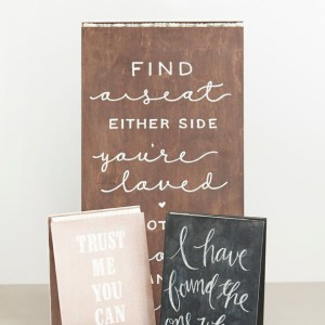 Awesome tutorial for making wedding signs with ribbon hinges!