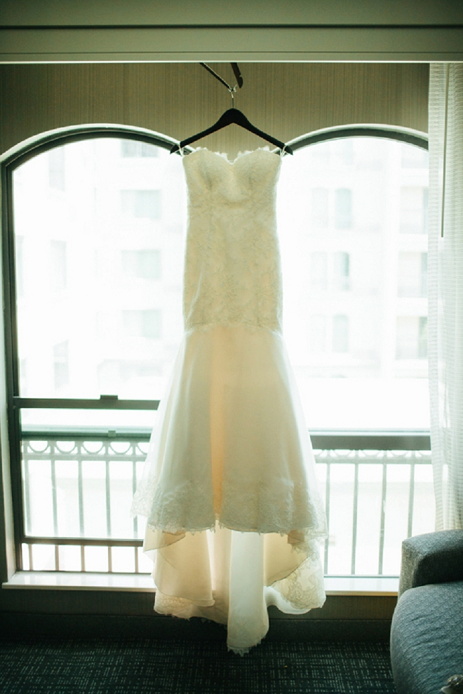 LOVING this Bride's gorgeous wedding dress shot!