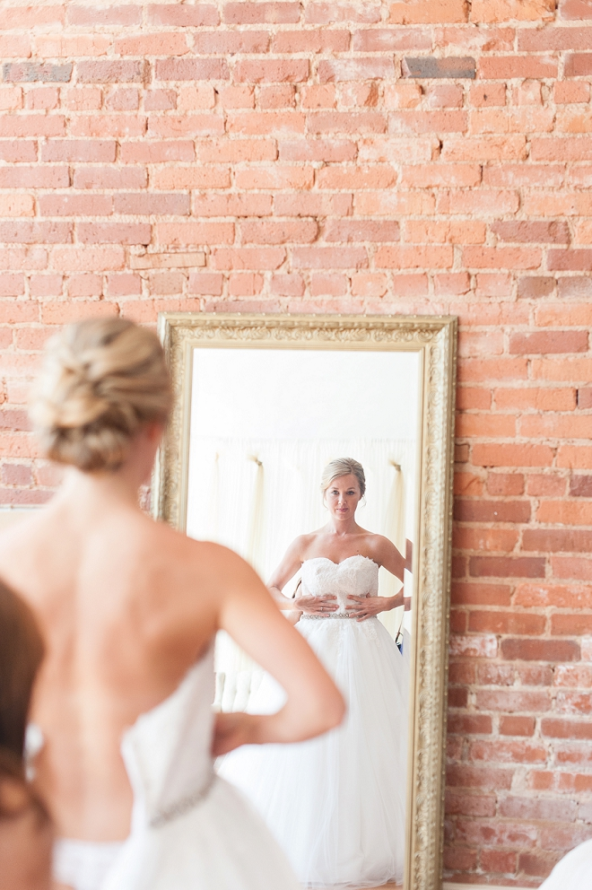 Loving this Bride and her gorgeous classic wedding dress!