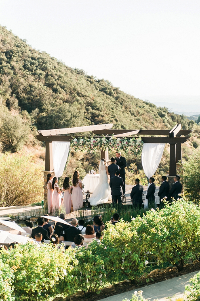 Swooning over this gorgeous California wedding ceremony!