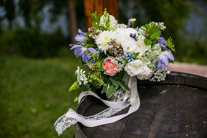 Swooning over the bouquet at this styled engagement session!