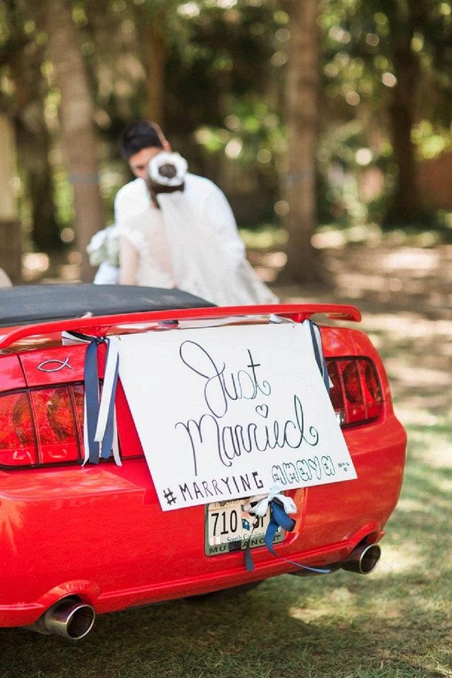 How fun is this couple's exit?! LOVE!