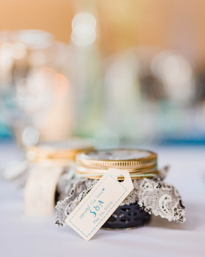We're in LOVE with this gorgeous handmade blueberry jam favors!