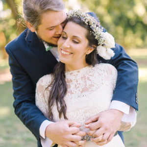 We're crushing on this gorgeous boho-chic wedding!