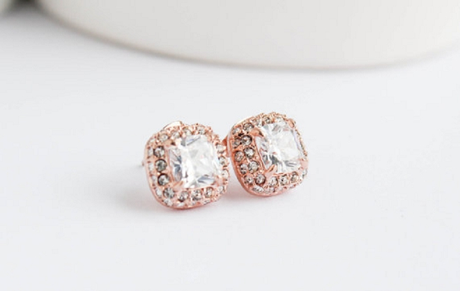 In LOVE with this fab diamond stud earrings!