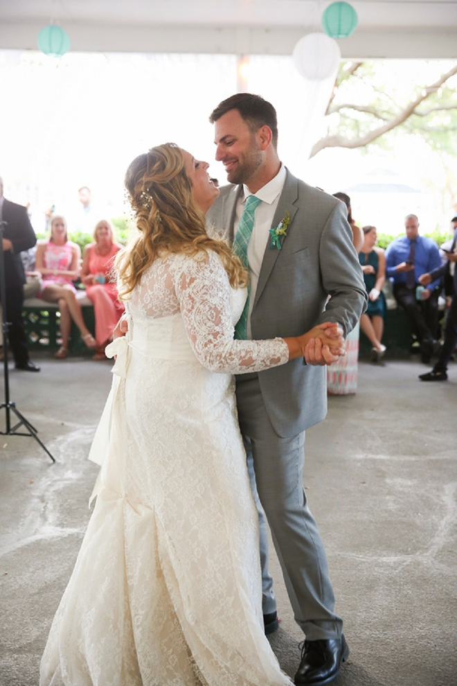 We love this super sweet snap of this couple's first dance!