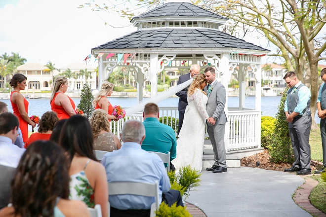 We're crushing on this super sweet ceremony!