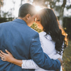 We are in LOVE with this super romantic engagement session!