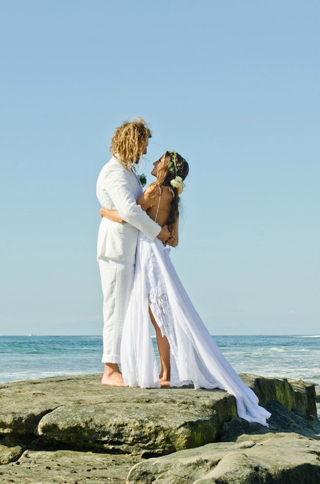 Crushing on this stunning boho beach wedding!