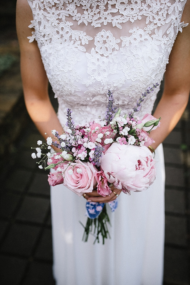 We're crushing on this gorgeous Bride's wedding style and stunning blush bouquet!