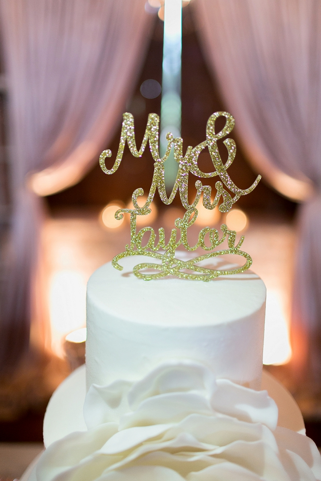 We love this gold glitter cake topper!