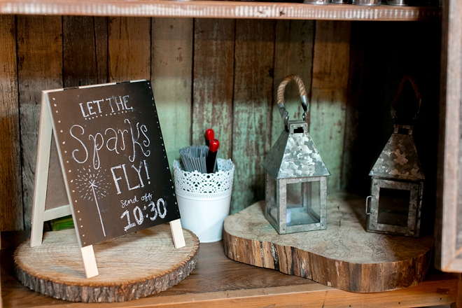 Crushing on all of the darling details at this rustic barn wedding!