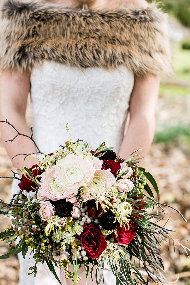 We're crushing on this Bride's stunning bouquet at this styled wedding!