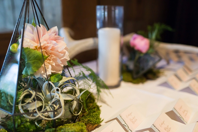 We're in LOVE with this couple's stunning flowers and centerpieces!