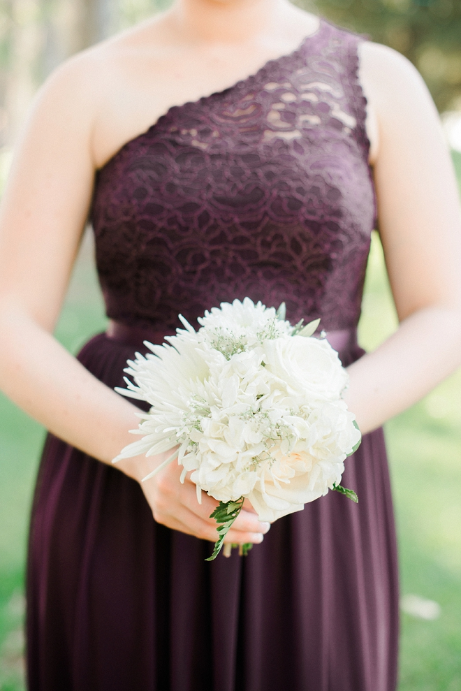 We love this snap of the Bridesmaid and her bouquet!