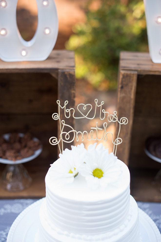 How darling is this monogrammed gold glitter cake topper?! We love it!