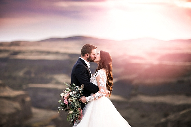 We're in LOVE with this couple's amazingly beautiful styled anniversary shoot!