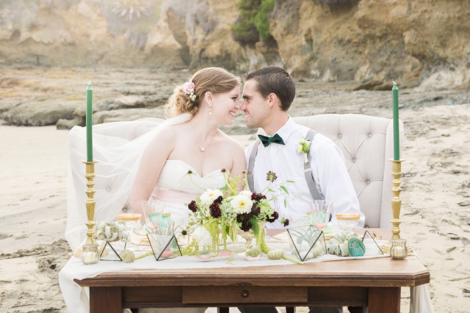 We're crushing on this dreamy styled anniversary sesh on the beach!